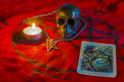 Crowley Tarot Foto: © damiripavec @ Fotolia