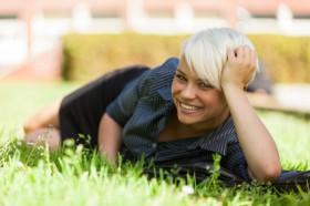 Dara, Hexe, sexy, blond Foto: © Francesco83 @ Fotolia