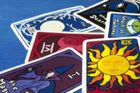 Dara, Hexe, Tarot-Karten, Kartenlegen Foto: © Sonja Birkelbach @ Fotolia