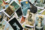 Sexy Hexen - Das Spiel mit den Tarot-Karten  Foto: © meerisusi @ Fotolia