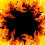 Sexy Hexen - Dara und das Spiel mit dem Feuer  Foto: © Jürgen Fälchle @ Fotolia