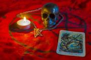 Crowley Tarot - Eines der beliebtesten Tarot-Kartendecks  Foto: © damiripavec @ Fotolia