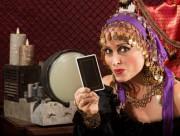 Kartenlegen am Telefon - unkompliziert und doch individuell  Foto: © Scott Griessel @ Fotolia