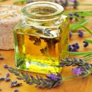 Aromatherapie - die Welt der Düfte  Foto: © Printemps @ Fotolia